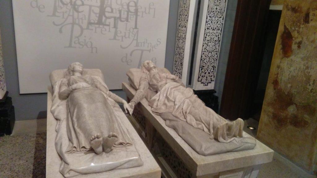 En los Viajes Culturales por España visitamos el Mausoleo de los Amantes de Teruel con nuestros grupos
